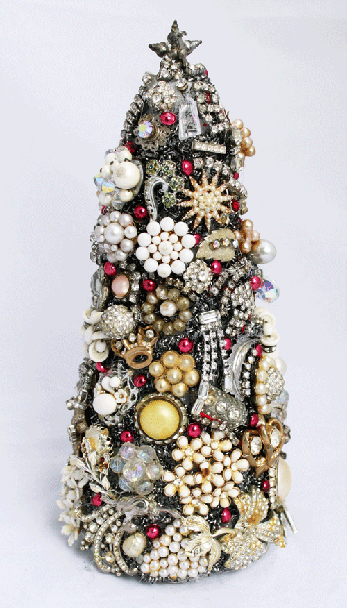 A year later I finally created a fun repurposed project. I made a 3-D modern version of the costume jewelry Christmas tree.  sc 1 st  LyndaCreates & Vintage Jewelry 3-D Christmas Tree u2013 Flashback u2013 LyndaCreates