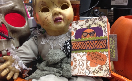 halloween_sizzix_mini_album_featured